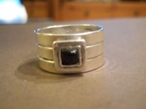 R0949 Retired Silpada set of 3 Garnet rings Size 6