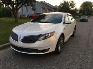 Lincoln MKS premium 2013.  78000kms