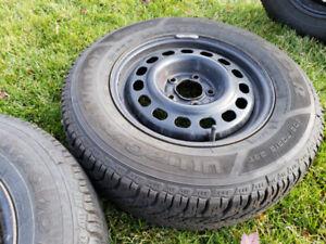 EXCELLENT 205/70R/15 Goodyear UltraGrip Winter Tires ON RIMS