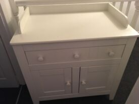 Bedroom cabinet with drawer