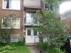 Large upper 5-1/2 sunny with terrace in quiet NDG neighborhood
