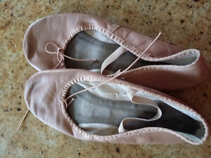 Leather ballet shoes - Size 7 Kingston Kingston Area image 1