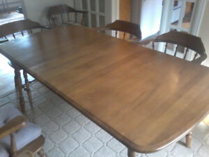 LARGE ANTIQUE DINING ROOM TABLE
