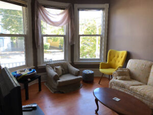 Subletting room in great house/great location!