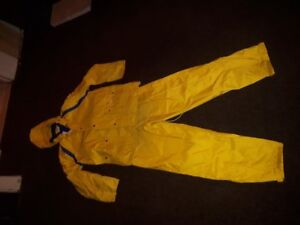 Rain suit - good condition