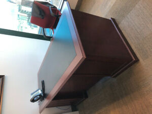 Executive Desk Free Must pick up today