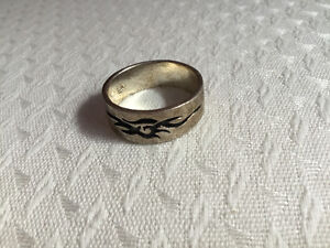 Flowing Flame Ring