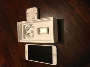 IPhone 6 plus - 128 GB Silver in color - Unlocked