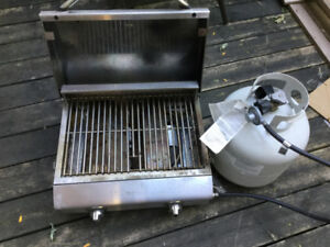 Portable BBQ oven   for sale with 3/4 full tank sure working