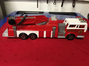 MAJORETTE FIRE TRUCK TOY FRANCE - PARKER PICKERS -