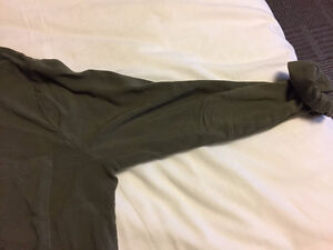 H&M Olive Green Button-Up Collared Shirt - Size 4 London Ontario image 5