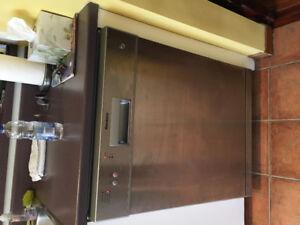 Lave-vaisselle en stainless à vendre - Blomberg