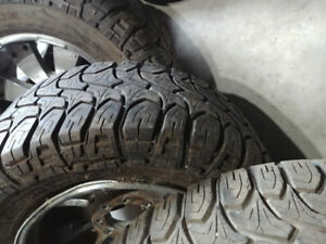 Mickey Thompson Mtz LT325/50R20 (35x13.50R20LT on  Dick Cepek