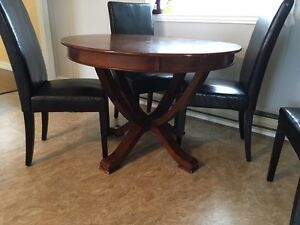 Kitchen table ,4 chairs