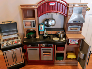Little Tikes Kitchen and BBQ Grill