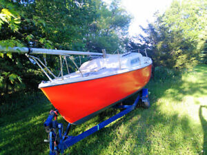1971 venture 24 sailboat and trailer. Project boat.