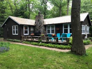 GRAND BEND SOUTHCOTT VINTAGE COTTAGE RENTAL
