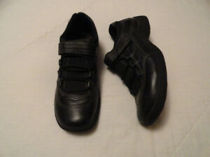 Leather Casual Shoes - Size 7 - Good Condition