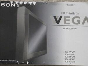 """SONY Trinitron WEGA 32"""" TV"""