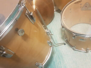 1980 LUDWIG Maple Drums