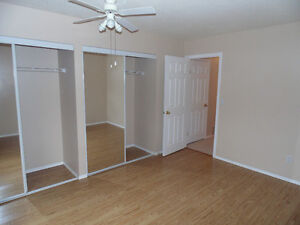 2 bedroom condo for rent in Strathmore