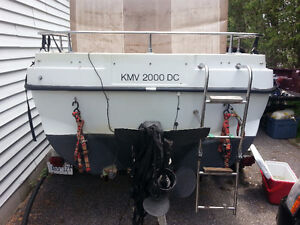 20ft Boat for sale with trailer