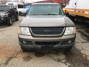 2004 Ford Explorer XLE SUV, Crossover