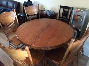 Solid oak dining room table 5 chairs