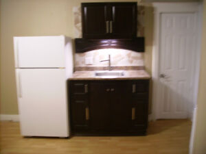 One bed/ Hull / HEAT AND HYDRO water included / 10 Min Ottawa