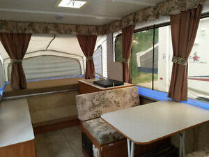 2007 STARCRAFT 2106 HARD-TOP CAMPER / POP-UP TRAILER RV Sarnia Sarnia Area image 3