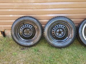 One Hankook Tire and Two Winter rims 195/65 R15
