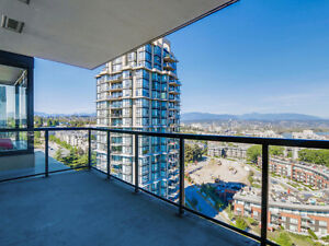 Spacious 2 BR + Den, 2 Bath in New Westminster