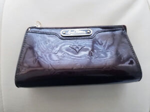 Authentic Louis Vuitton Vernis Cosmetic Pouch - $170 firm