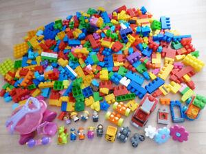 Mega Bloks First Builders (grand / large size) - 420 pcs