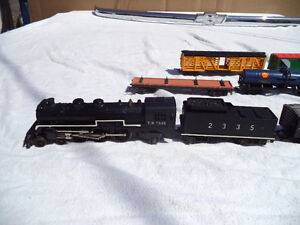 Tri Ang Steam Engine train set with extras and other stuff