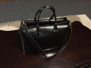 SELLING A BRAND NEW H&M PURSE