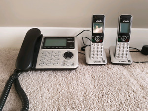 Set of cordless home phones
