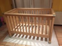 Mamas and Papas Modensa Cot / Bed (cotbed)