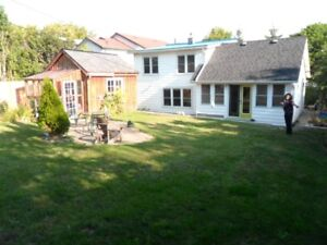 Nicest 4br House Kingston-Portsmouth near Hospitals+Queens+Lake