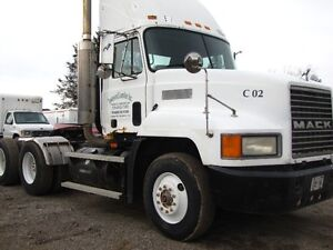 1997 MACK DAY CAB
