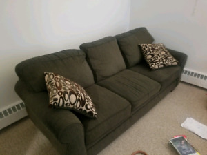 couch & 2 pillows for free