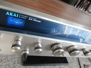 Akai AA-910DB Stereo Receiver in very good condition w/box