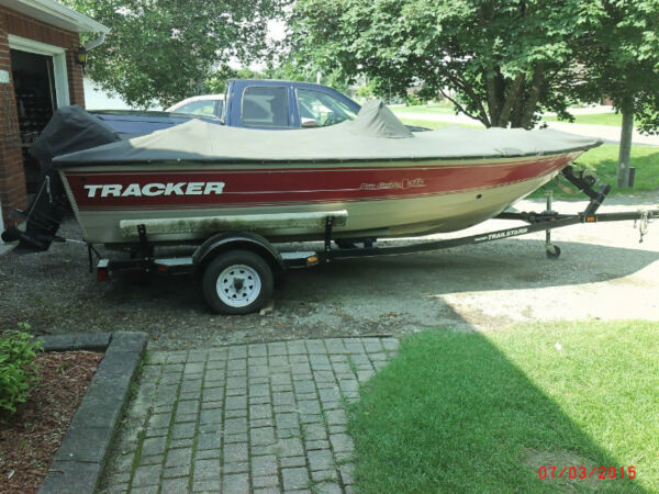 Used 2002 Tracker Pro Guide V16