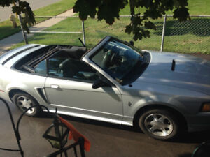 Mustang Convertible 2000 Mint - Must Sell
