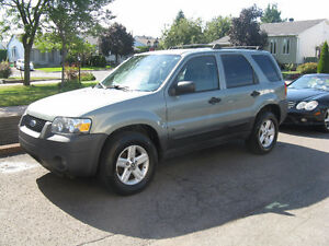 2005 Ford Escape Familiale