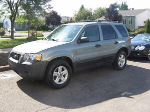 2005 Ford Escape Familiale
