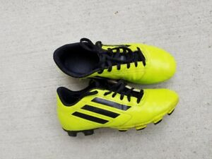 d078fe1ff Adidas soccer cleats - youth size 5 1 2