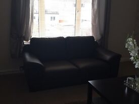 Brown leather 2 & 3 seater suite