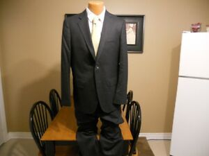 New like Zara men's black/dark blue complete suit