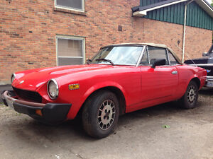 Fiat Spider 2000 Pininfarina convertible- IN TIME FOR SUMMER